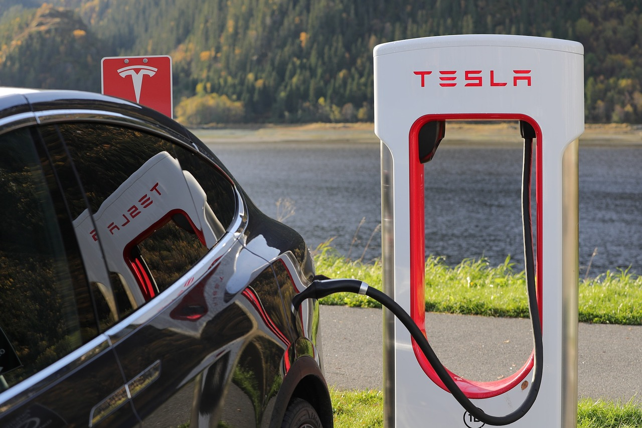 Electric-car revolution in Norway is spearheaded by the Richest